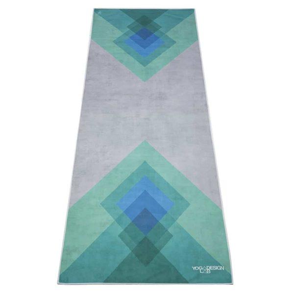 yoga-handtuch-collage-green-yoga-design-lab